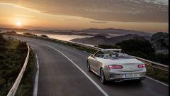 I motori della Mercedes Classe E Cabrio saranno svelati solo al Salone di Ginevra 2017