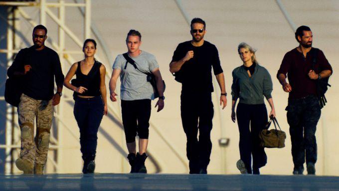 I protagonisti di 6 Underground, nuovo film di Michael Bay per Netflix