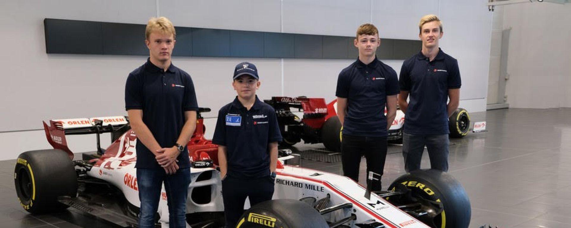 I quattro piloti della Sauber Academy: da sinistra: Petr Ptacek, Emerson Fittipaldi Jr, Dexter Patterson e Théo Pourchaire