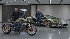 I responsabili dei centro stile Ducati e Lamborghini, rispettivamente con la Diavel 1260 Lamborghini e la Siàn