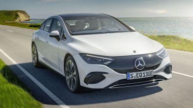 IAA 2021: Mercedes EQE, visuale di 3/4 anteriore