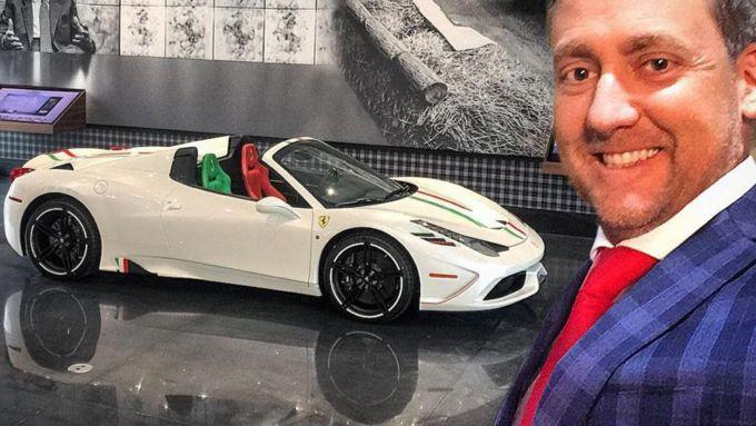 Ian Poulter con la sua Ferrari 458 Speciale Aperta personalizzata