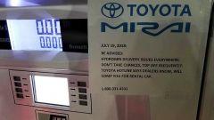 Auto a idrogeno ferme in California: distributori senza carburante
