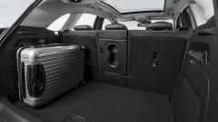 Il bagagliaio della Opel Crossland X misura 410 litri, che diventano 1.255 ripiegando i sedili