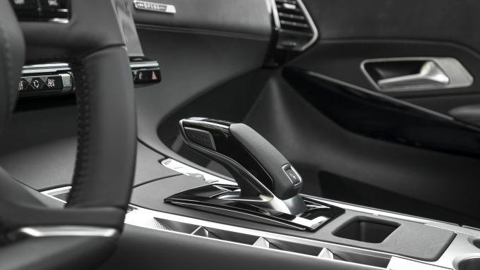 Il cambio automatico a 8 rapporti EAT8 che è equipaggiato su DS7 Crossback anche con motore PureTech 130
