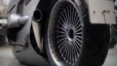 Il cerchio posteriore della BMW R nineT Special by Zillers Custom Garage