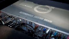 Il cervello elettronico di una Volvo XC90 a guida autonoma