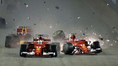Il crash delle Ferrari al via dell'edizione 2017
