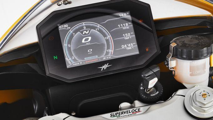 Il dashboard da 5,5'' della nuova MV Agusta Superveloce 2021