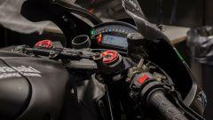 Il dashboard e la piastra di sterzo della Kawasaki ZX-10R 2016 di Jonathan Rea