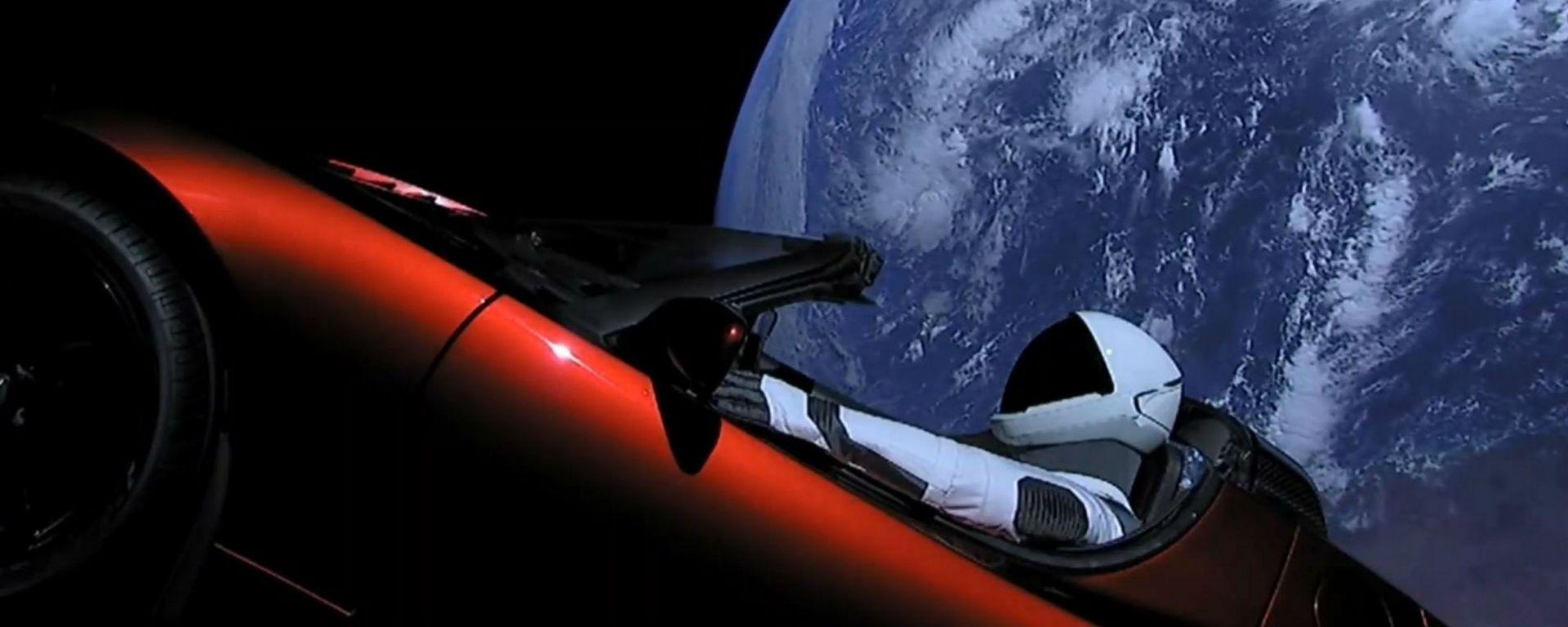 Una Tesla Roadster nello spazio con Falcon Heavy di SpaceX