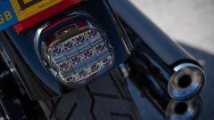 Il fanale posteriore fumè della Harley-Davidson Low Rider S