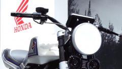 Il faro anteriore della Honda CB-F Concept