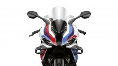 Il frontale con le ali aerodinamiche della nuova BMW M 1000 RR
