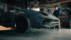 Il frontale della Lamborghini Aventador realizzato a mano