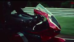Il frontale della nuova Honda CBR600RR 2021 nel teaser ufficiale