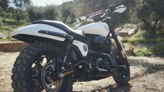 Il grosso pneumatico tassellato posteriore dell'Harley-Davidson XG750 da Hill Climb