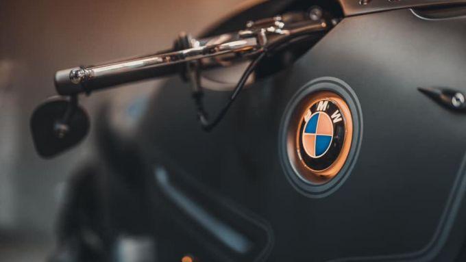 Il logo BMW della R nineT Special by Zillers Custom Garage