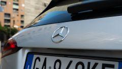 Il logo Mercedes sulla A 250 e