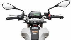 Il manubrio della Benelli Tornado Naked T 125 model year 2020