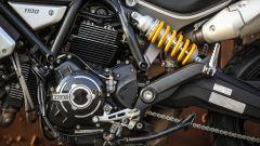 Il mono ammortizzatore Ohlins è pluri regolabile sulla Ducati Scrambler 1100 Sport