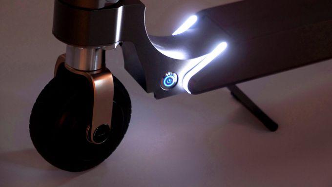 Hyundai presenta un monopattino elettrico con 20 km di autonomia
