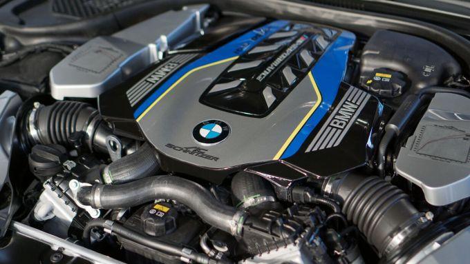 Il motore da 620 CV della BMW M850i xDrive by AC Schnitzer
