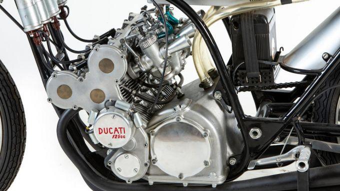 Il motore della Ducati 125cc del 1965