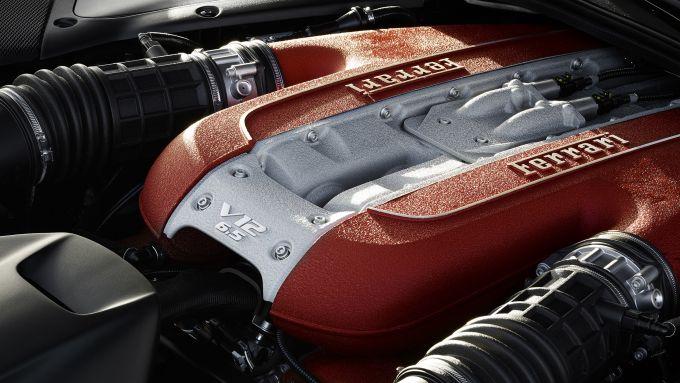Il motore V12 della Ferrari 812 Superfast