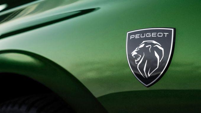 Il nuovo logo Peugeot su 308