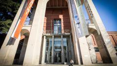 Il Palazzo dell'Arte, sede della Triennale e del Museo del Design di Milano, progettato da Muzio