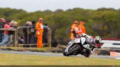 Il pilota Yamaha Sylvain Guintoli il più veloce nelle libere - Immagine: 10