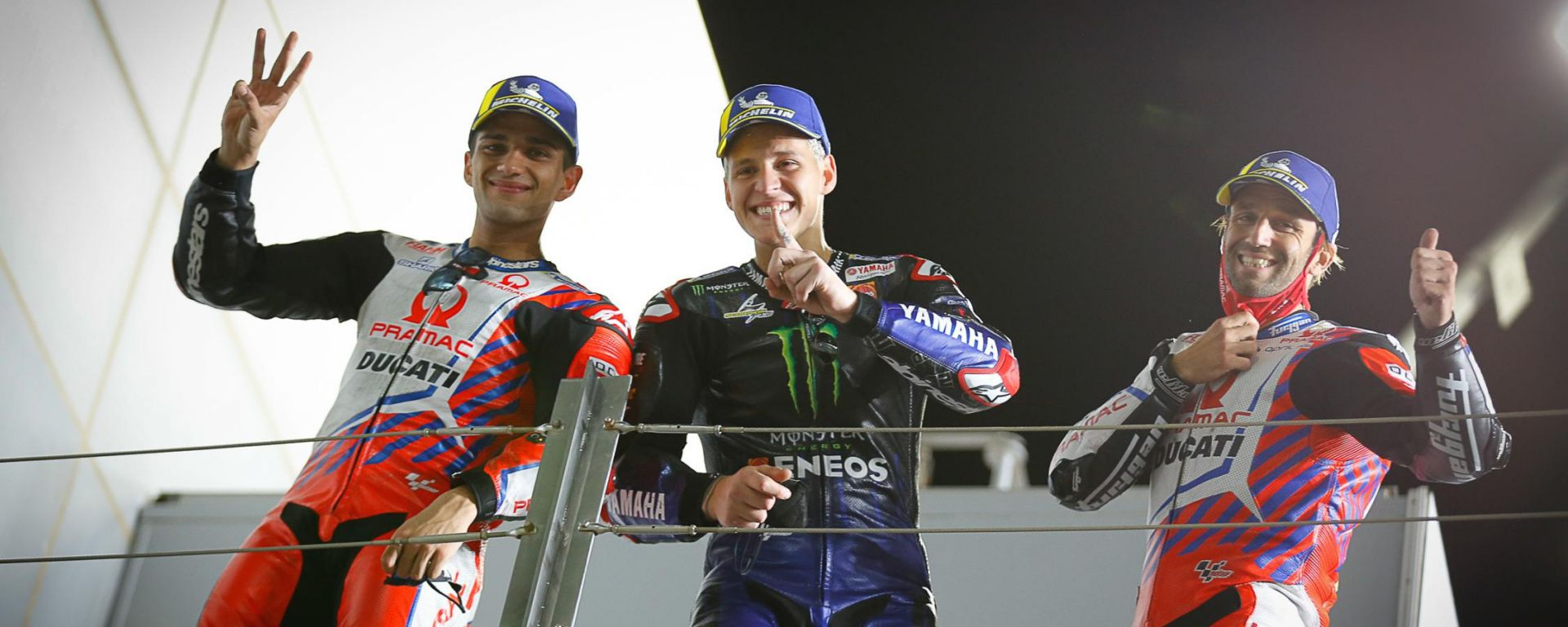Il podio del GP Doha 2021: Maverick Vinales (Yamaha) in mezzo ai due del team Ducati Pramac, Martin e Zarco