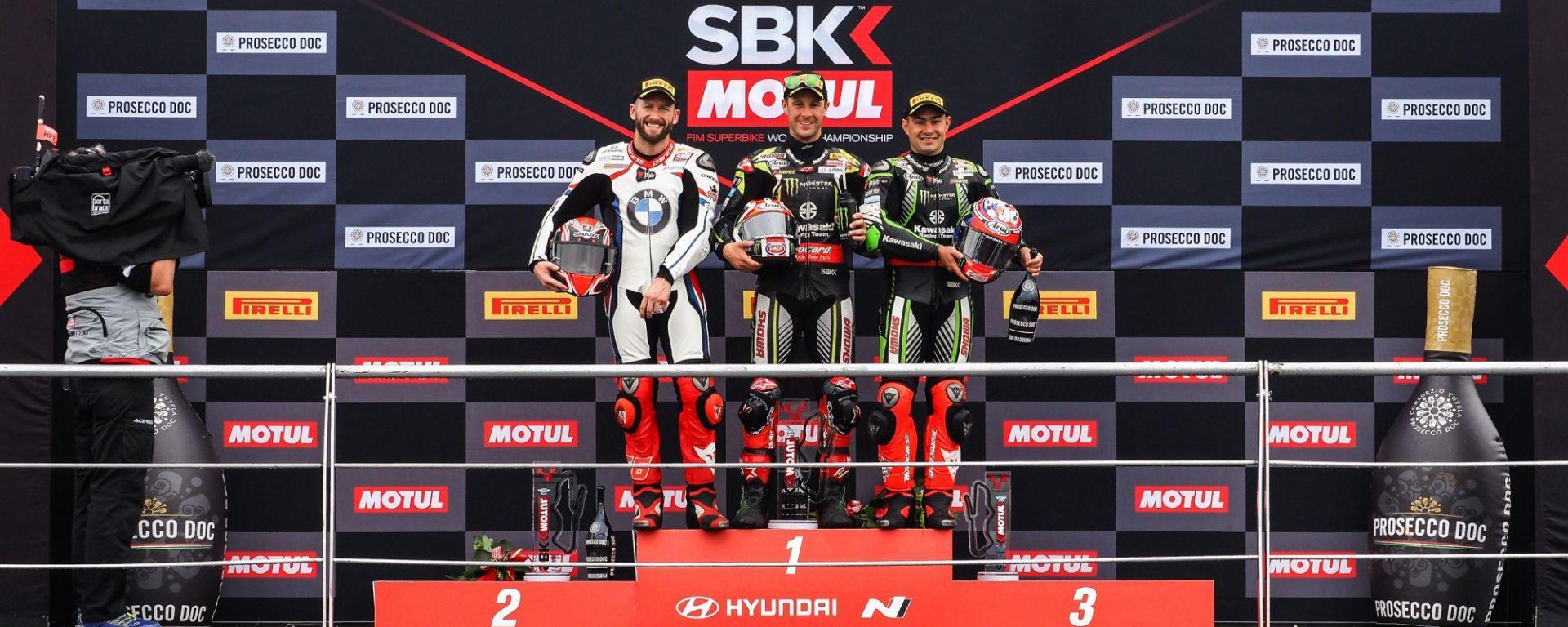 Il podio della WSBK a Donington in Gara-1