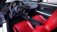 Il posto guida dell'Alfa Romeo 4C
