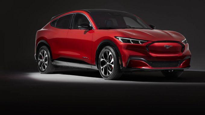 Il primo veicolo elettrico Ford è SUV: Mustang Mach-E