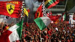 Il pubblico incredibile sotto il podio del Gran Premio d'Italia - Formula Uno