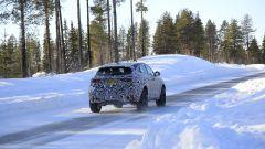 Il restyling della nuova Jaguar E-Pace vista da dietro