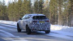 Il restyling della nuova Jaguar E-Pace: visuale di 3/4 posteriore