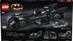 Il retro della scatola della Batmobile LEGO
