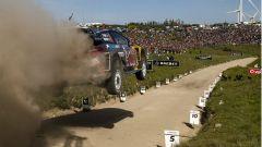 Il salto di Ogier con la Ford Fiesta M-Sport - WRC 2017 Rally Portogallo