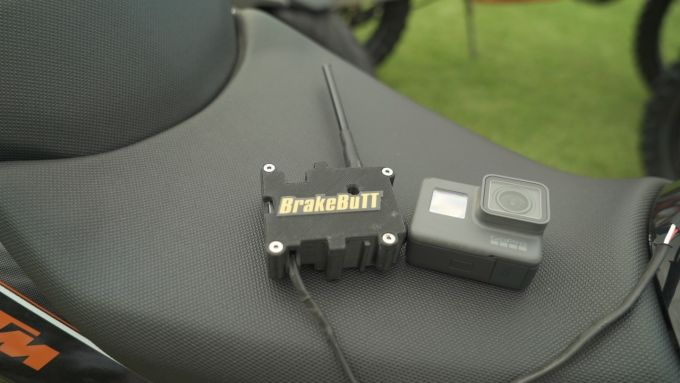 Il sensore di BrakeBuTT è grande tanto quanto una GoPro