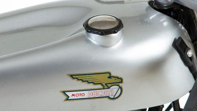 Il serbatoio della Ducati 125cc del 1965