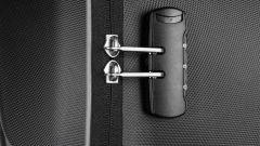 Il sistema di chiusura delle borse laterali semirigide Givi WL900