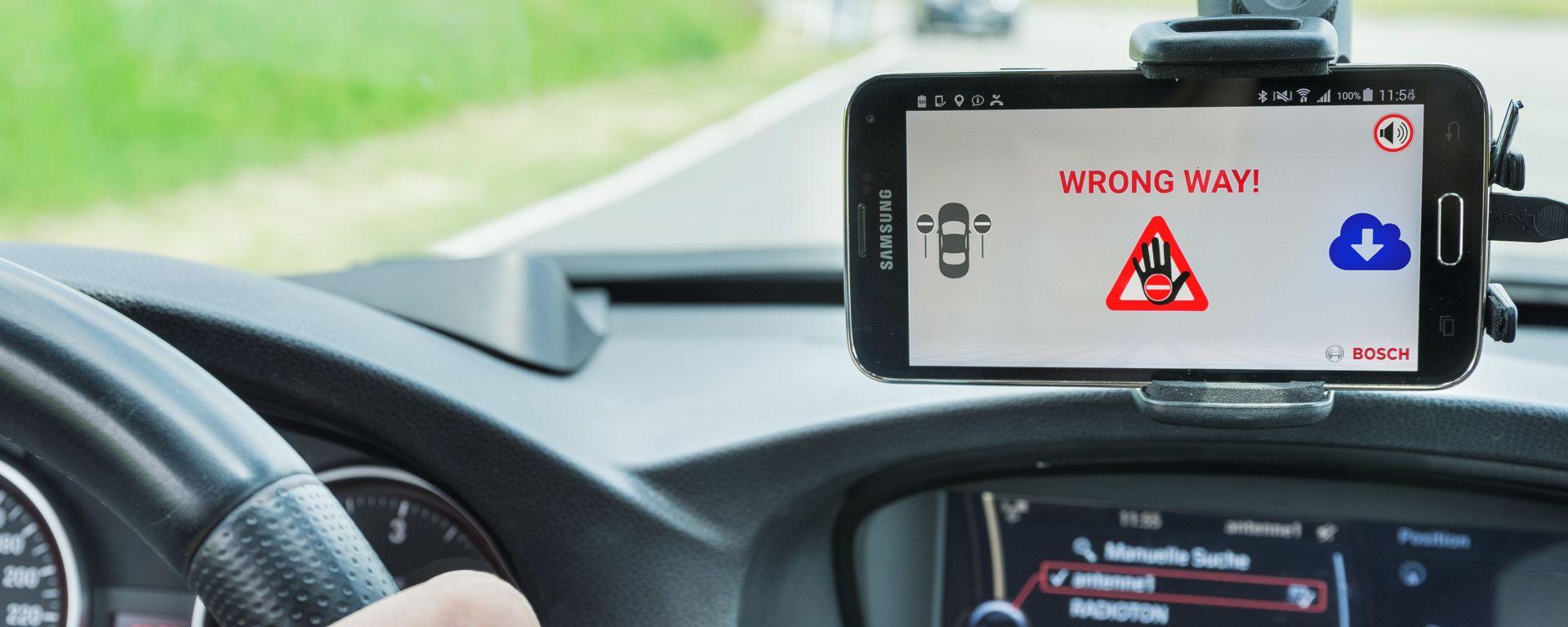 Il sistema wrong-way-warning di Bosch