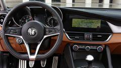 Il tasto di accensione? La Alfa Romeo Giulia ce l'ha sul volante.