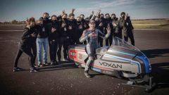 Il team Voxan (Gruppo Venturi) con Biaggi e la moto elettrica più veloce al mondo