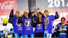Il team Yamaha GMT94 Campione del Mondo con Niccolò Canepa