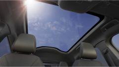 Il tetto panoramico in vetro (fisso) del Ford Mustang Mach-E