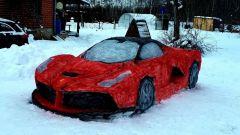 Il video della Ferrari LaFerrari fatta di neve per San Valentino